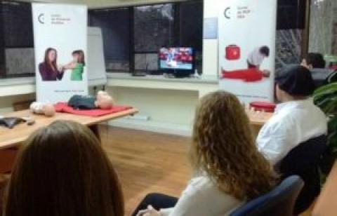 El Comité de Docencia e Investigación del Grupo Ayuda Médica  afianza su actividad de capacitación en Resucitación CardioPulmonar y Primeros Auxilios